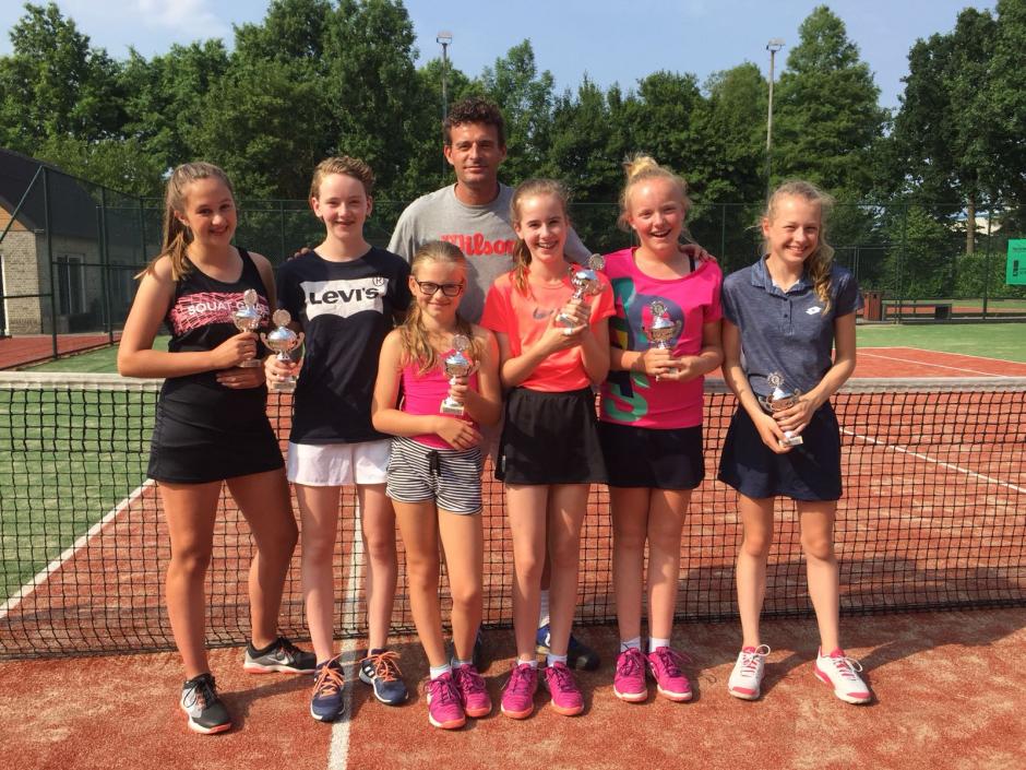Meisjes (10-14 jaar) kampioen voorjaar 2018